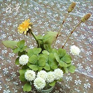 ハンドメイド・白つめ草と四葉のクローバーのコサージュ(布花・染め花・アートフラワー)