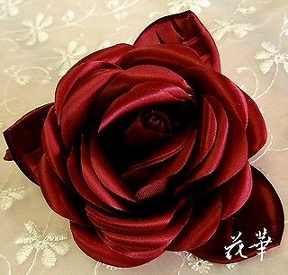 布花・サテンの薔薇のコサージュ・ボルドー(ハンドメイド)