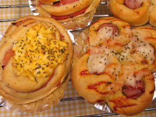 『カレーウインナーパン』と『カレーハムエッグ』