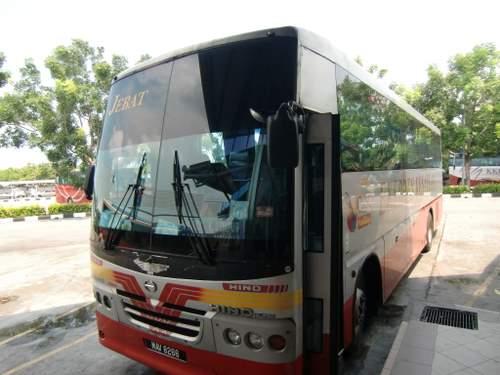 雨漏りバス
