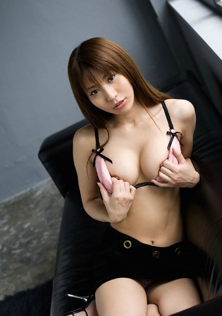 【No.130】 ブラずらして / 紗奈