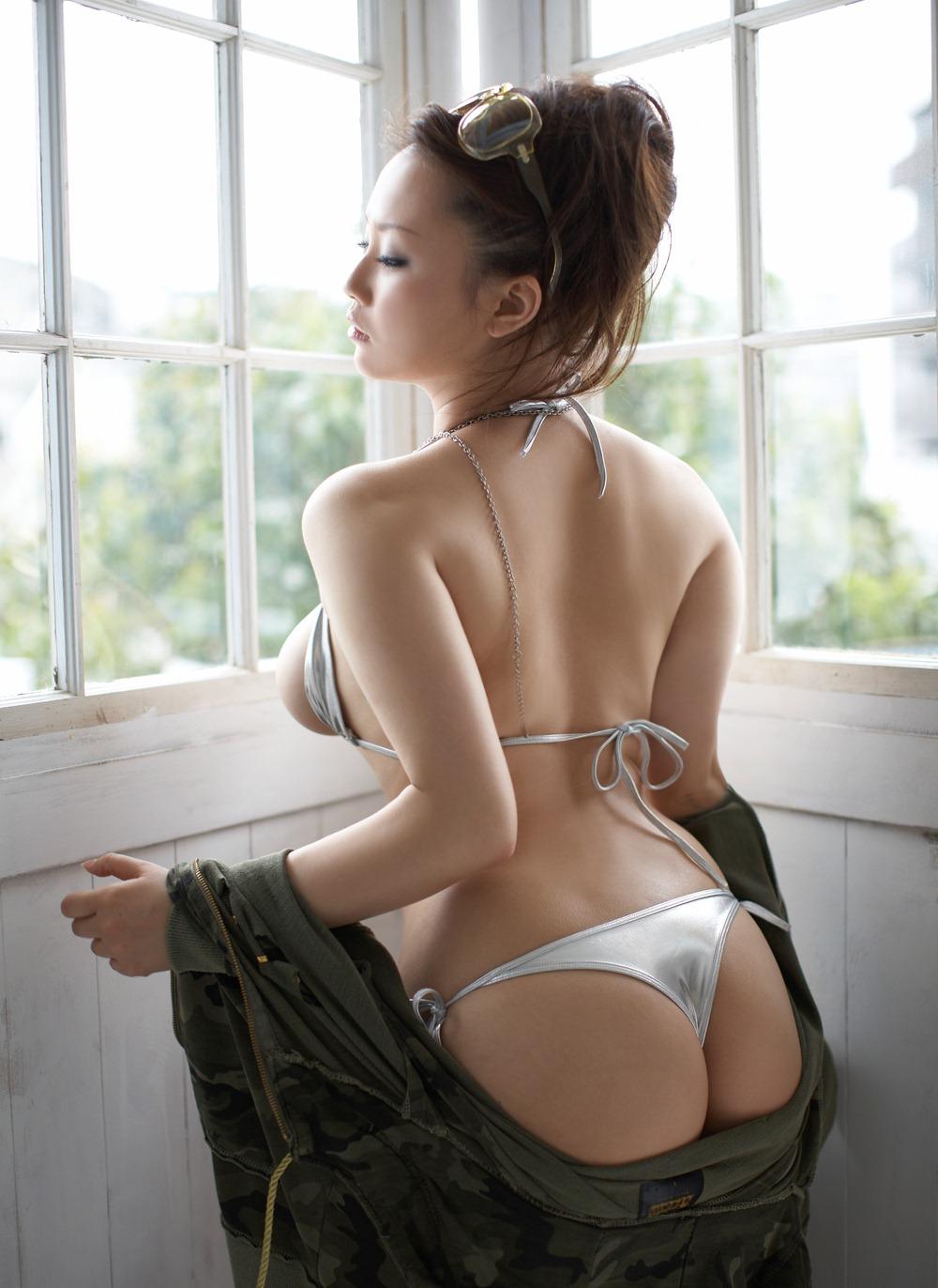 【No.1174】 後姿 / 相内リカ