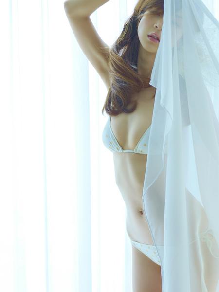 【No.142】 カーテン越し / ほしのあき