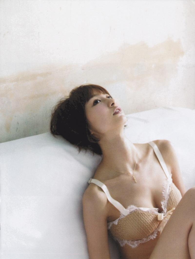 【綺麗なお姉さん。】 アイドル 篠田麻里子 画像