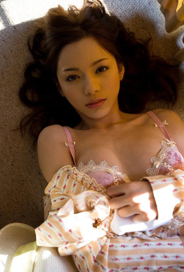 【綺麗なお姉さん。】 AV女優 Rio 画像