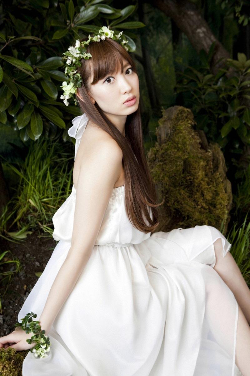 【綺麗なお姉さん。】 アイドル 小嶋陽菜 写真