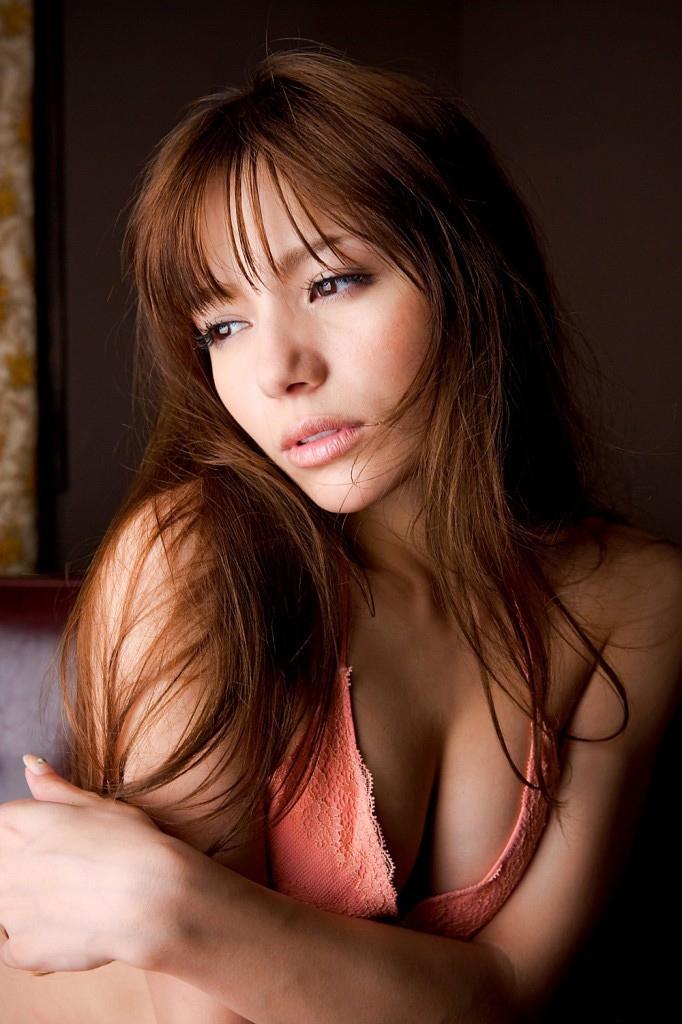 【綺麗なお姉さん。】 AV女優 Rio グラビア写真
