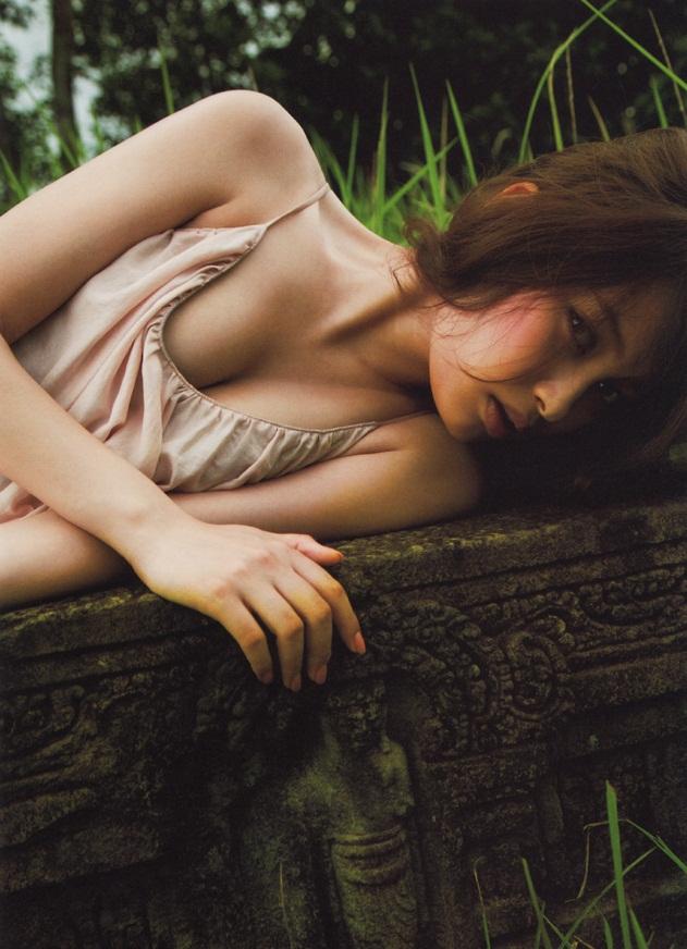 【綺麗なお姉さん。】 女優 大政絢 グラビア写真