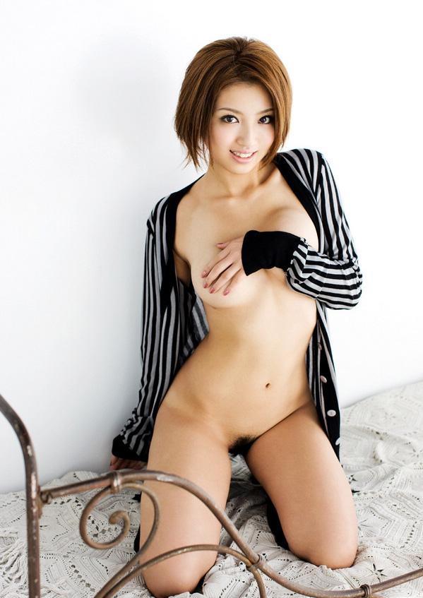 麻生香月のグラビア写真
