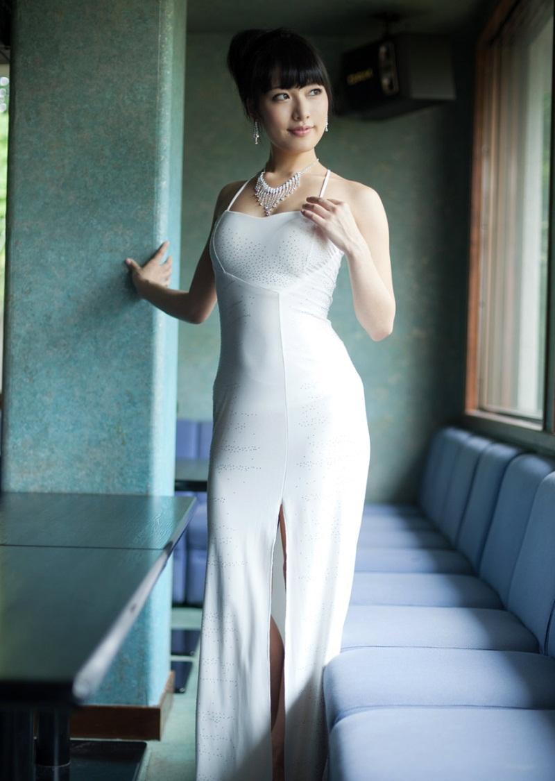 【綺麗なお姉さん。~きれいなお姉さんのグラビア写真集~】 AV女優 由愛可奈 画像