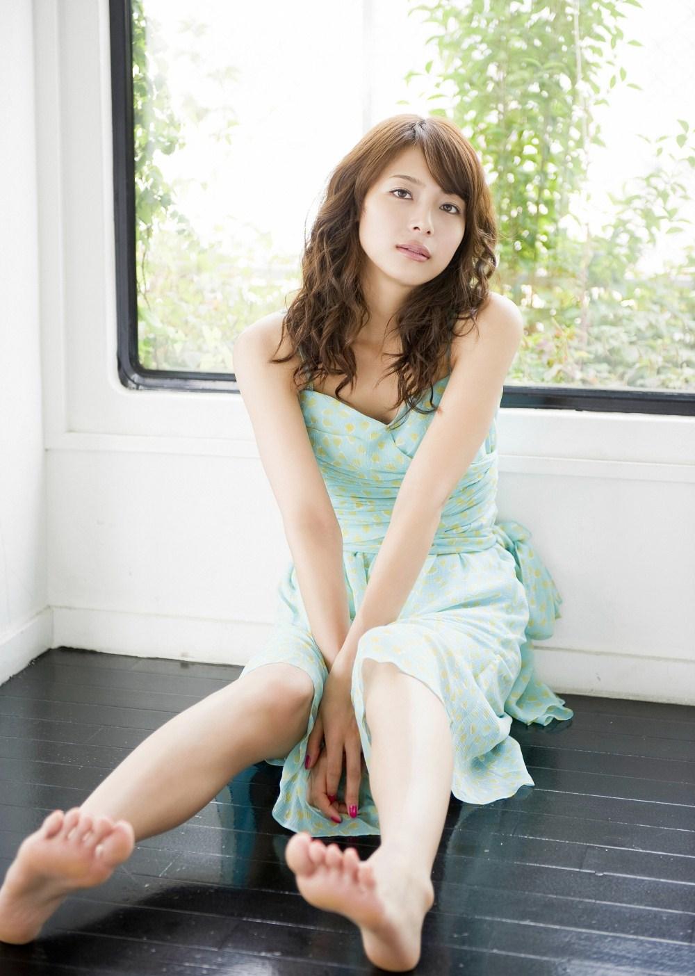 【綺麗なお姉さん。~きれいなお姉さんのグラビア画像集~】 女優 相武紗季 画像
