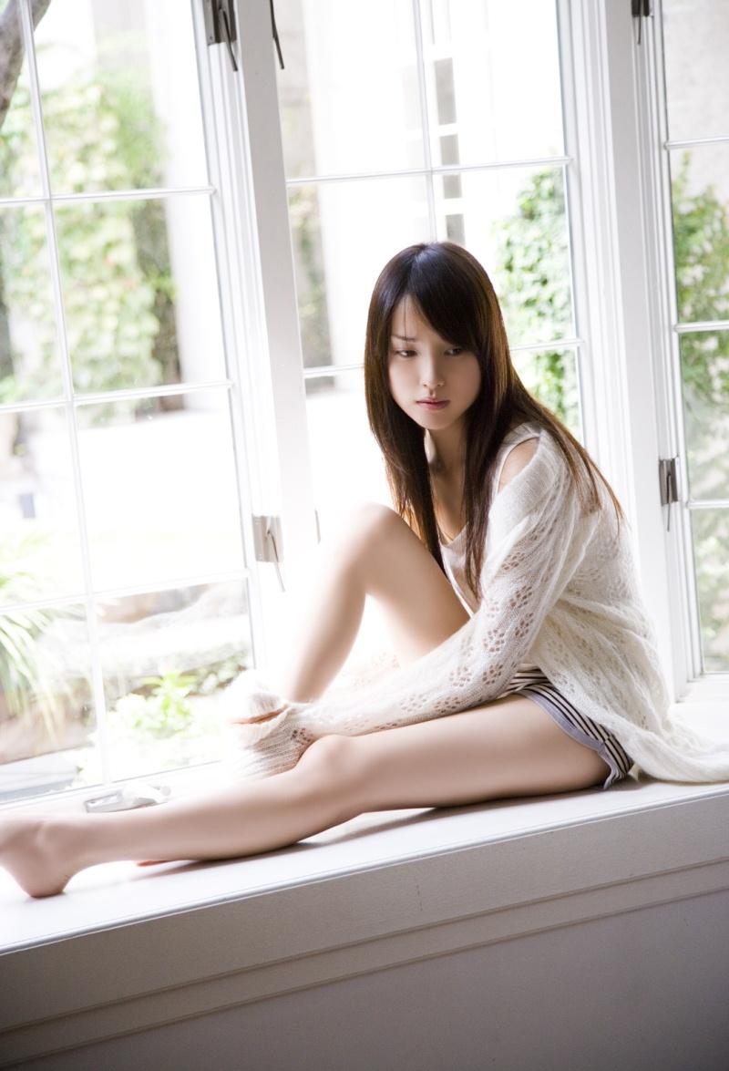 【綺麗なお姉さん。~きれいなお姉さんのグラビア画像集~】 女優 戸田恵梨香 画像