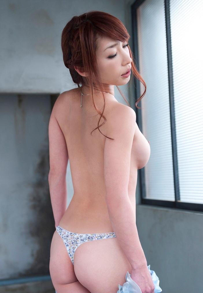 【No.788】 後姿 / 佳山三花
