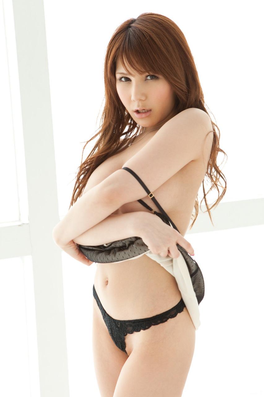 【No.822】 脱ぐ / 相澤リナ