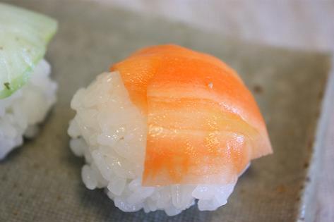 人参と生姜の手まり寿司♪