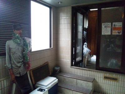 20130423デッカオ入居の曽根崎新地ビル5階BARオマツ