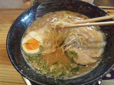20130425つなぎ亭らー麺700円自家製麺