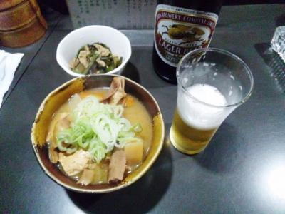 130618大助モツ煮530円瓶ビール530円お通し300円