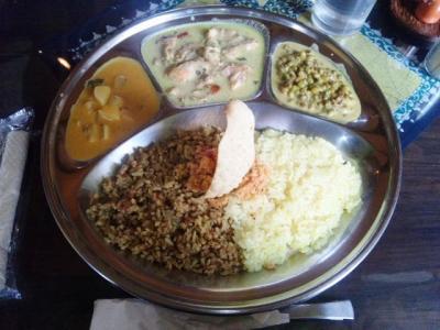 130707印度亜BT定食750円のBはビリヤニ、Tはターメリックライス