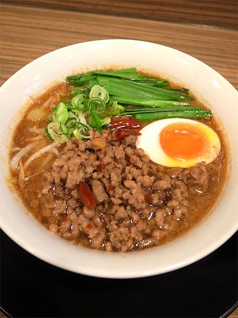 130202麺屋さくら-miso台湾ラーメン