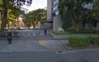 警視庁本部庁舎前