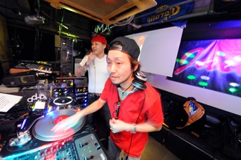 120225_DJ MAGIC_002_R