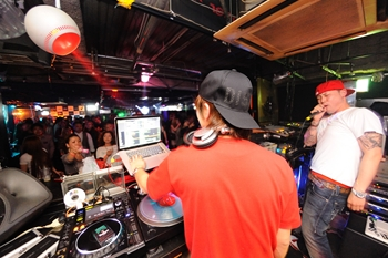 120225_DJ MAGIC_025_R