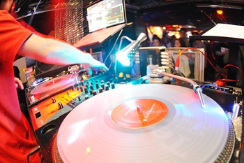 120225_DJ MAGIC_026_R