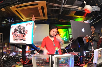 120225_DJ MAGIC_033_R