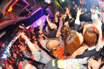 120225_DJ MAGIC_103_R