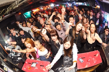 120225_DJ MAGIC_121_R
