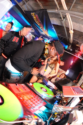 120225_DJ MAGIC_127_R