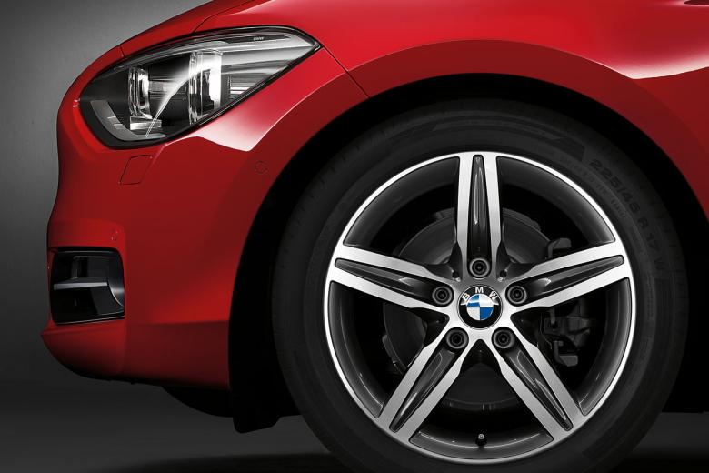 BMW_1series_wallpaper_13_1600.jpg