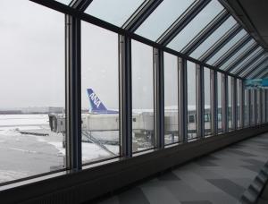 ShinchitoseAirport_gate6.jpg