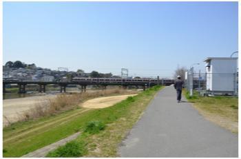 高井田駅から2303_12