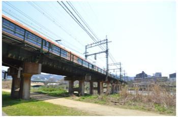 高井田駅から2303_15