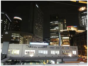 大阪駅前2211_01