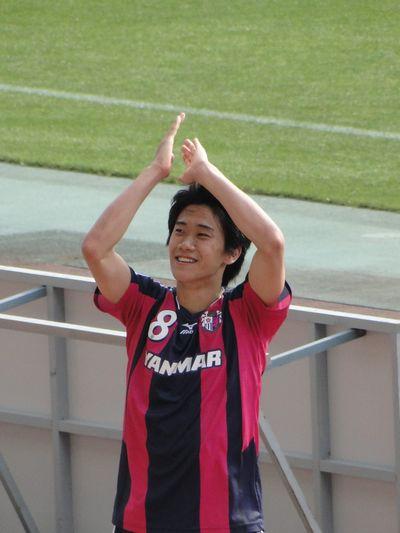 喜ぶ香川選手