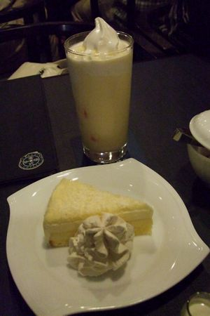 ミルクセーキとチーズケーキ