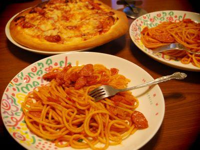 ナポリタンとピザ