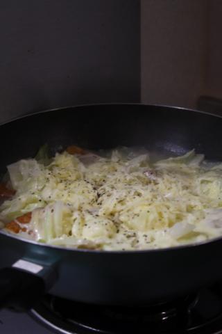 9/23 キャベツとさつま揚げとチーズの鍋