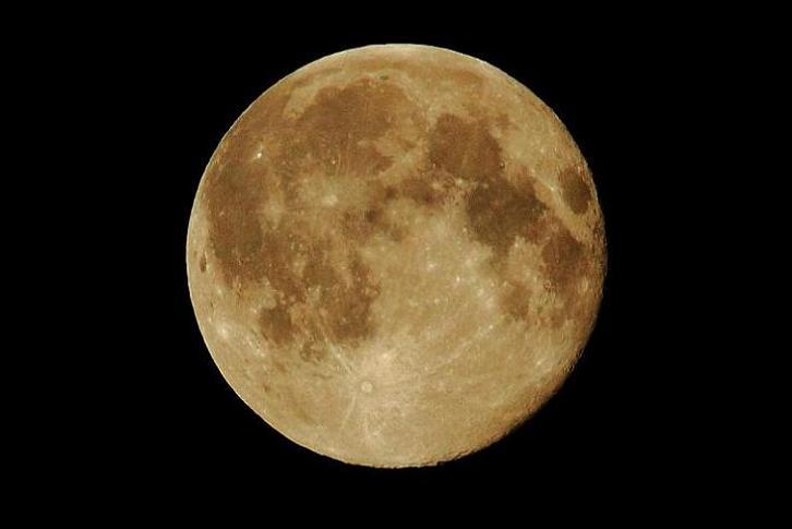 2010.08.25・『 満月 』