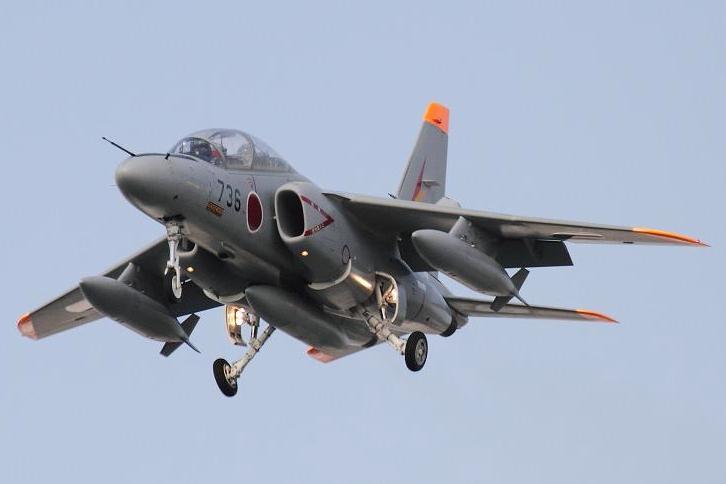 2011.05.19・『 岐阜基地 』 岐阜県 02 T-4 #736 総隊司令部飛行
