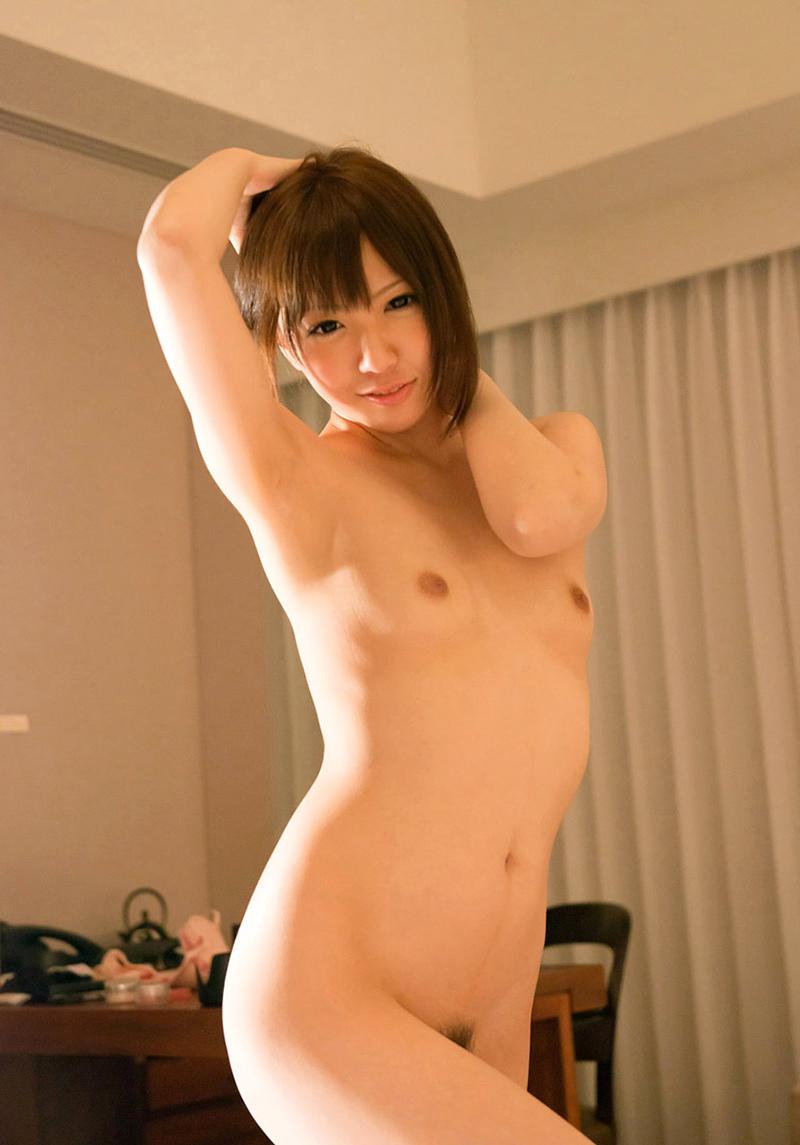 大倉彩音 一糸纏わぬ、素っ裸なAV女優