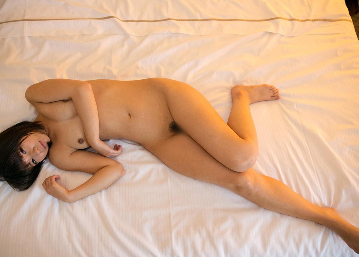 葵こはる 一糸纏わぬ、素っ裸なAV女優