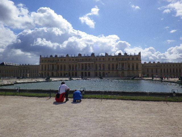 庭からの宮殿