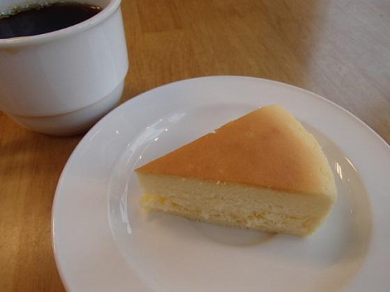 酪農ちーずけーき (4)