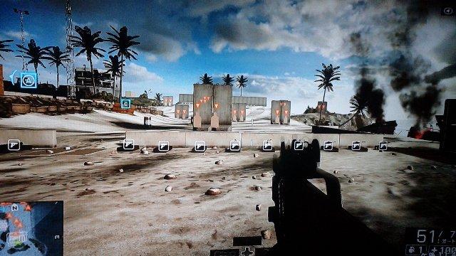 射撃練習場の全景です。ここは銃の射撃場。対地兵器~スナイパーライフルまで揃っています。