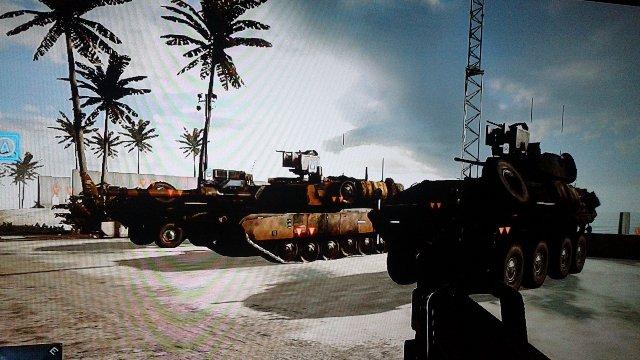 射撃場の背後には地上車輌群1が整然と並んでいます。こちらも試乗して実際に攻撃可能です。