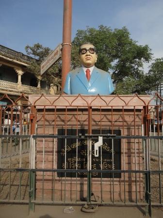 町でよく見かける銅像